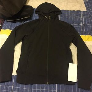 Lululemon jacket (brand new)